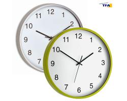 Часы настенные  TFA зелёные
